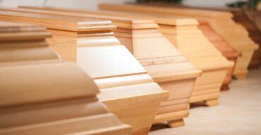 Como um caixão é fabricado no Brasil