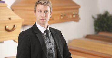 Agente funerário ou motorista funerário: saiba o que os diferencia